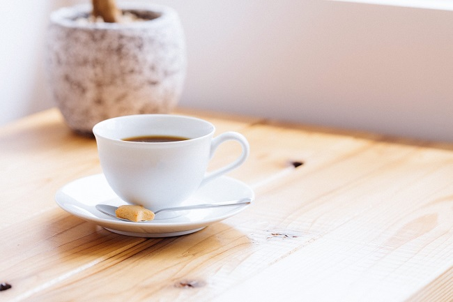 コーヒーと自然光