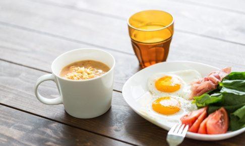 ひと月の平均食費っていくら?世帯別の平均食費と節約方法について