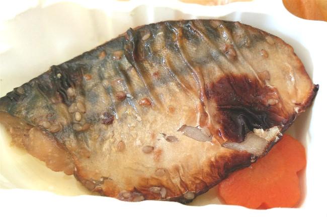 サバのごま風味焼き弁当2