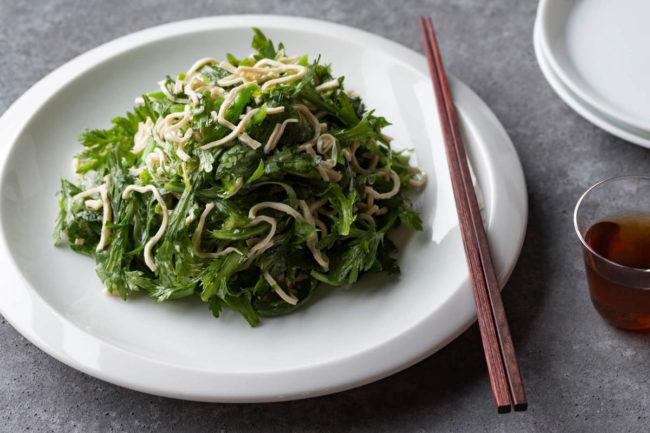 春菊と豆腐干糸の和え物